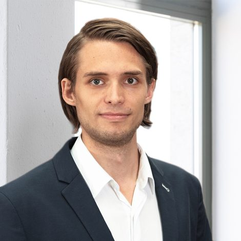 Hjalmar Schmid