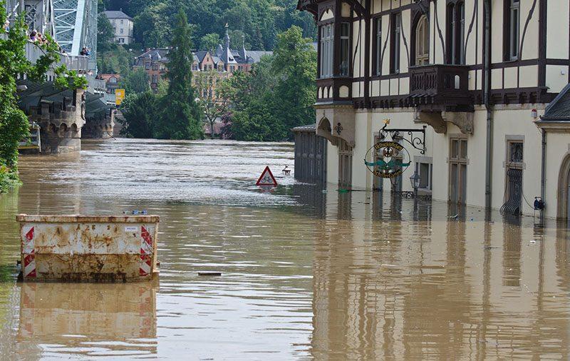 Hochwasser Schäden Immobilien Gutachten